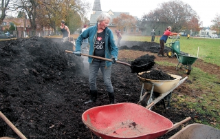 Vic High Farm mulching_Mila Czemerys