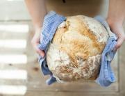 Bread pick-up volunteer