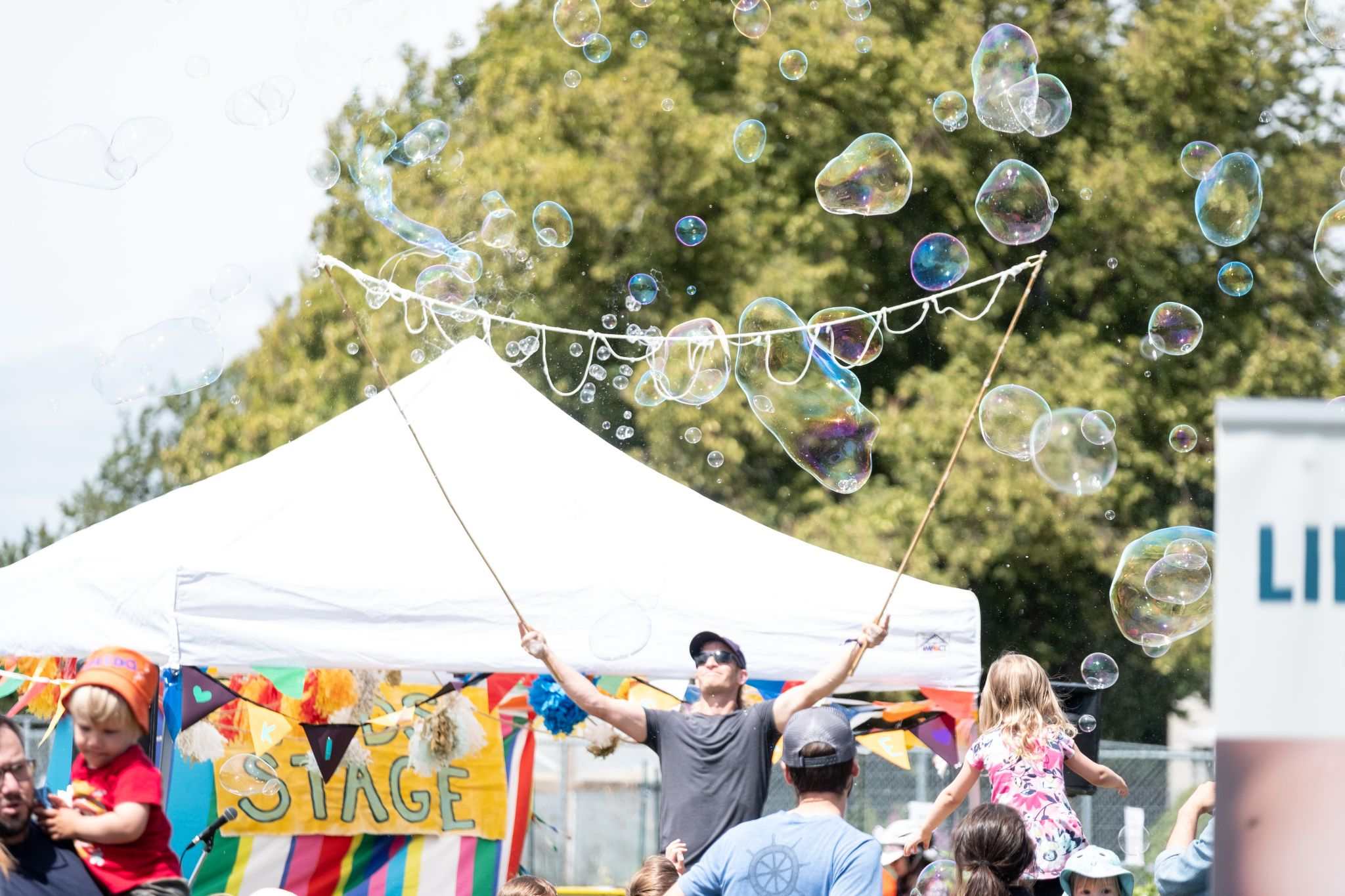 Giant Bubble Man at FernFest 2019. Photo by Webmeister Bud.